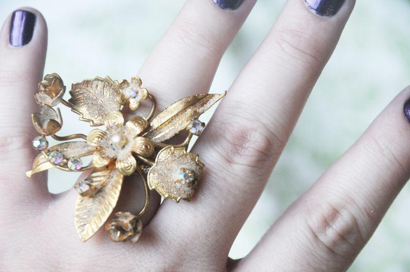 Brooch ring 3