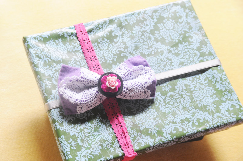 Bowtie giftwrap